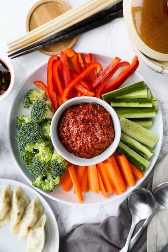 Острый корейский соус из фасоли