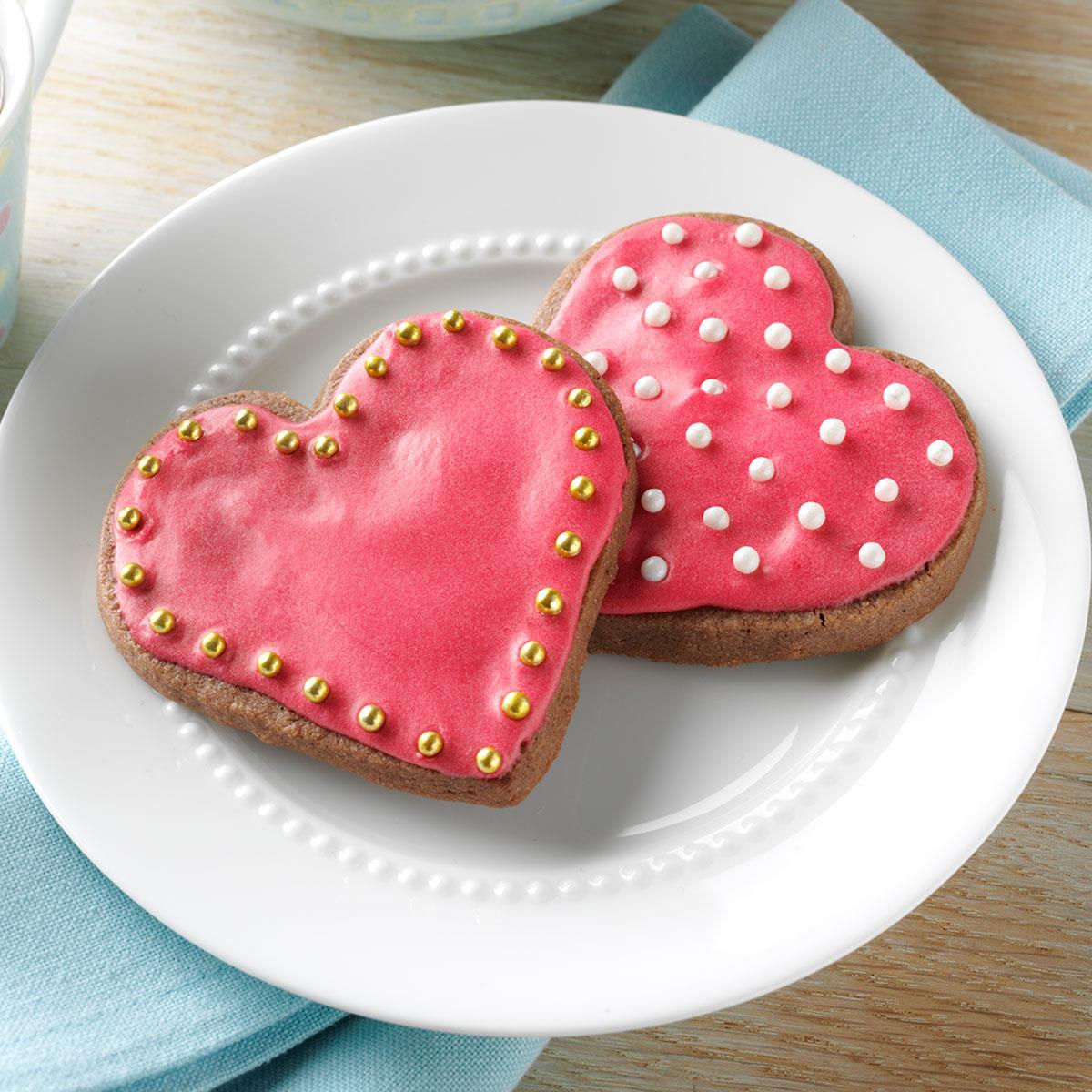 Шоколадно-малиновое песочное печенье-сердечки