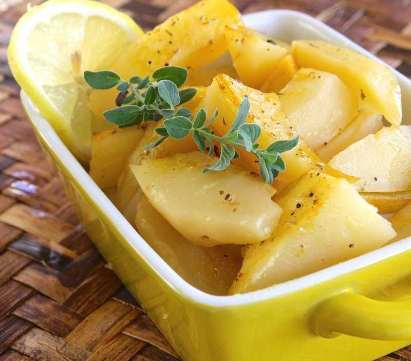 Запеченная картошка с лимоном