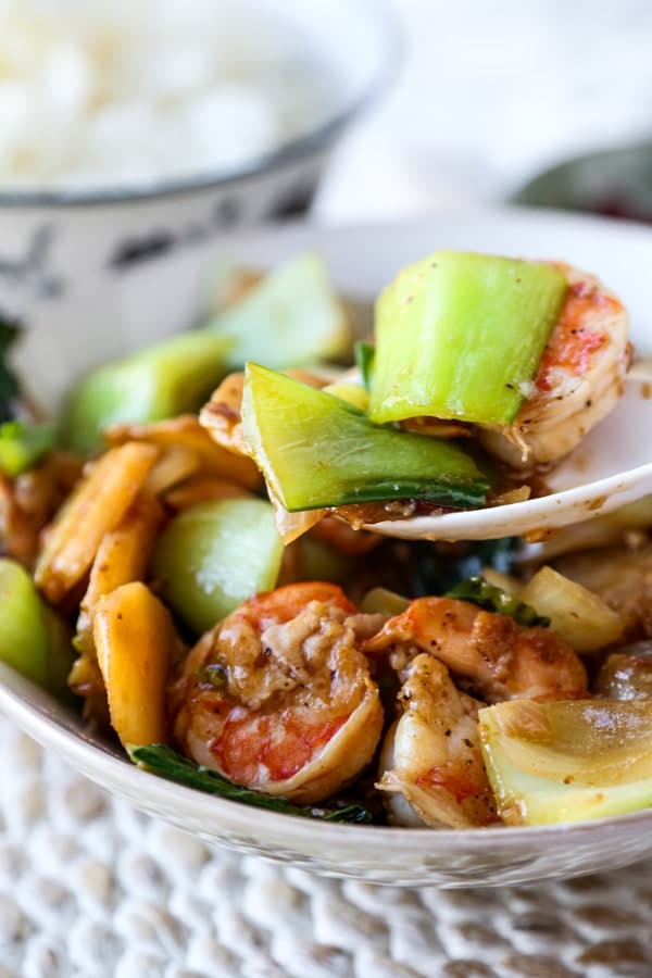 Жаркое из жаренных креветок и овощей
