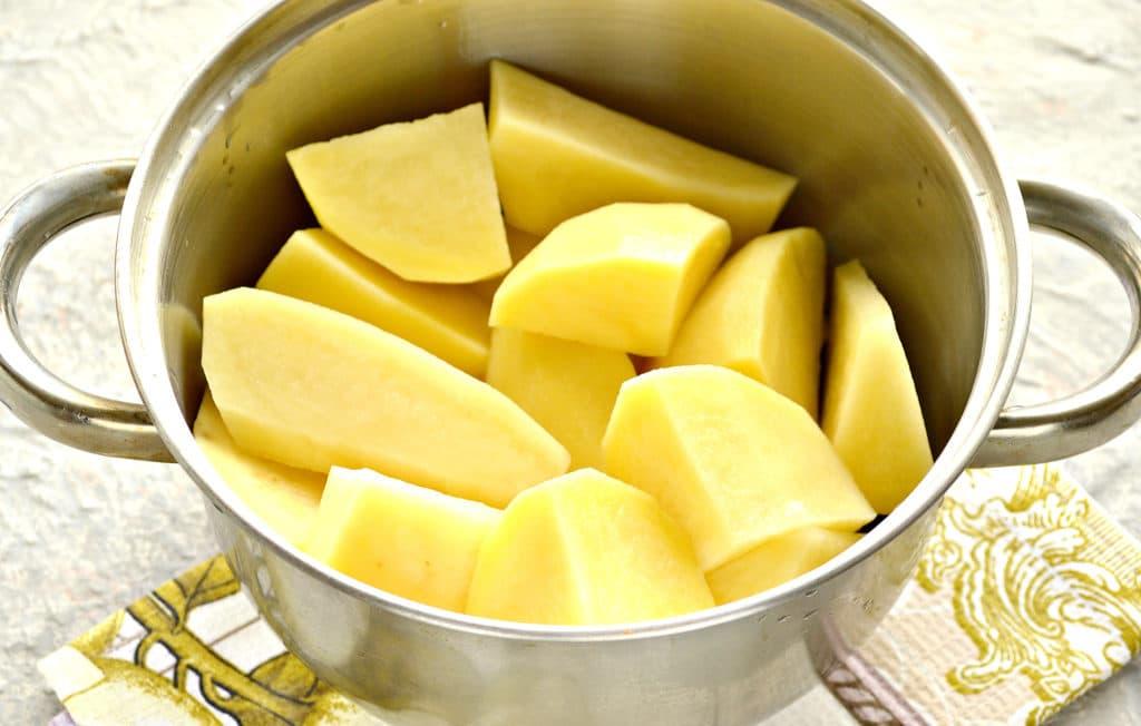 Фото рецепта - Картофельное пюре с яйцом и молоком - шаг 1
