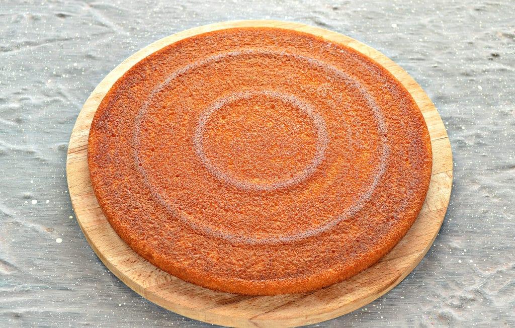 Фото рецепта - Фруктовый торт из готовых коржей - шаг 1