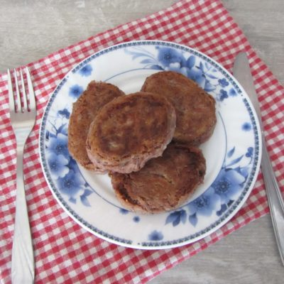 Постные котлеты из красной фасоли орехами и чесноком - рецепт с фото