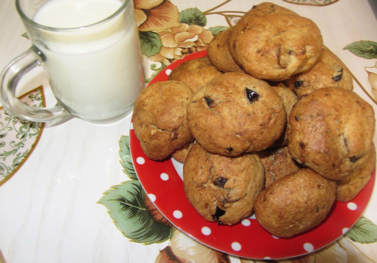 Овсяное печенье с орехами, курагой и черносливом