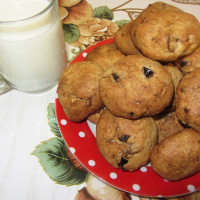 Овсяное печенье с орехами, курагой и черносливом - рецепт с фото