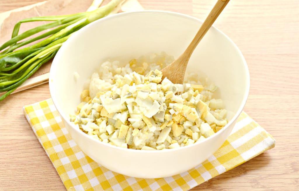 Фото рецепта - Рис с яйцом и луком (начинка для пирожков) - шаг 2