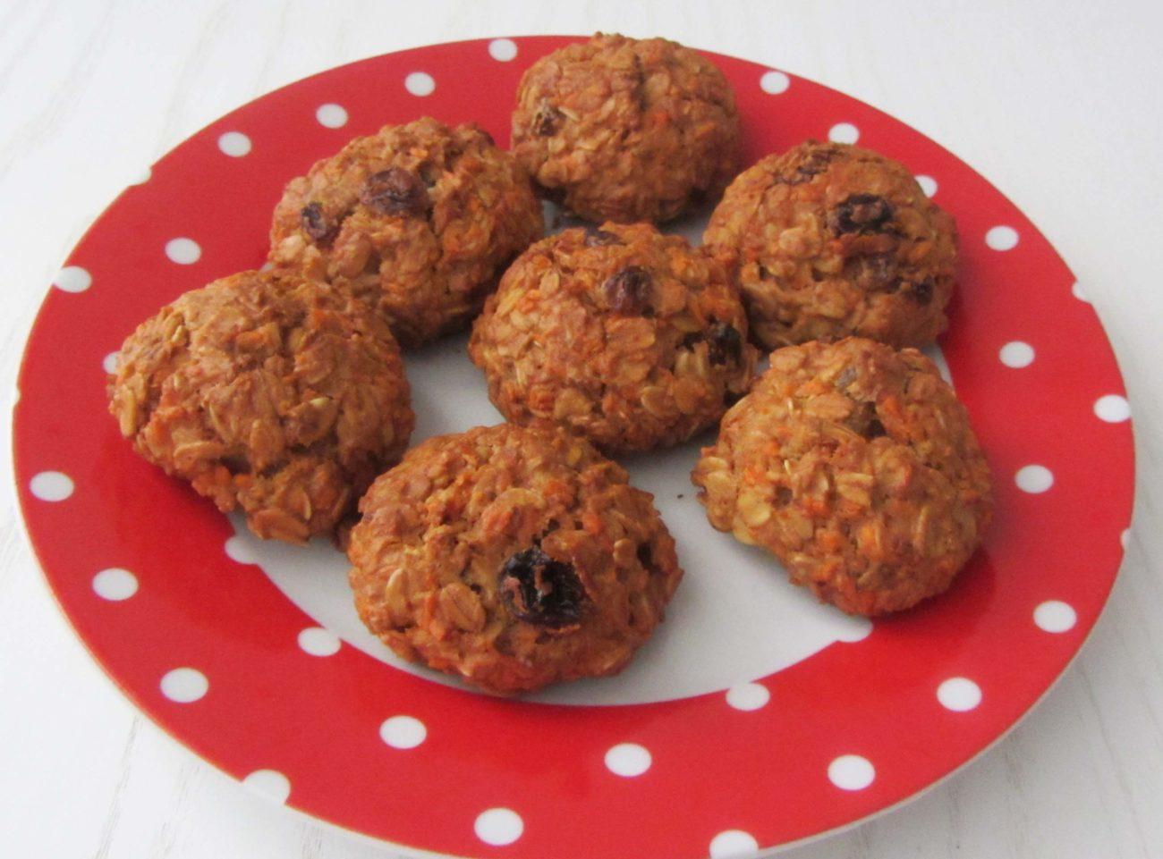 Постное овсяное печенье с изюмом и морковью (без сахара)