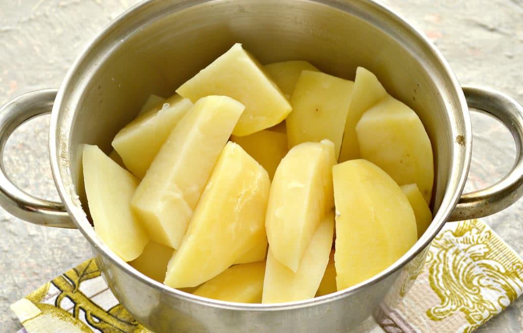 Фото рецепта - Картофельное пюре с яйцом и молоком - шаг 3