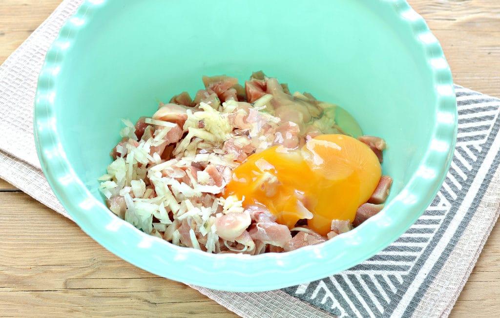 Фото рецепта - Жареное мясо по-албански из курицы - шаг 3