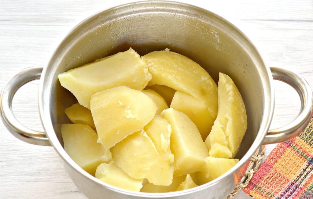 Фото рецепта - Пирог с картошкой и грибами - шаг 3