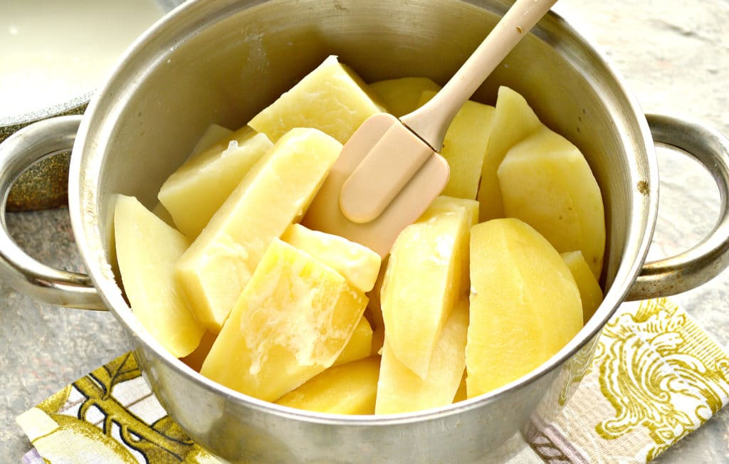 Фото рецепта - Картофельное пюре с яйцом и молоком - шаг 5