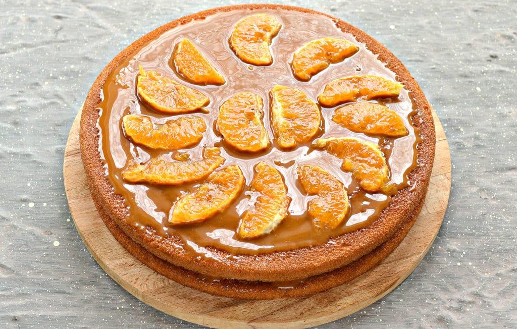 Фото рецепта - Фруктовый торт из готовых коржей - шаг 5