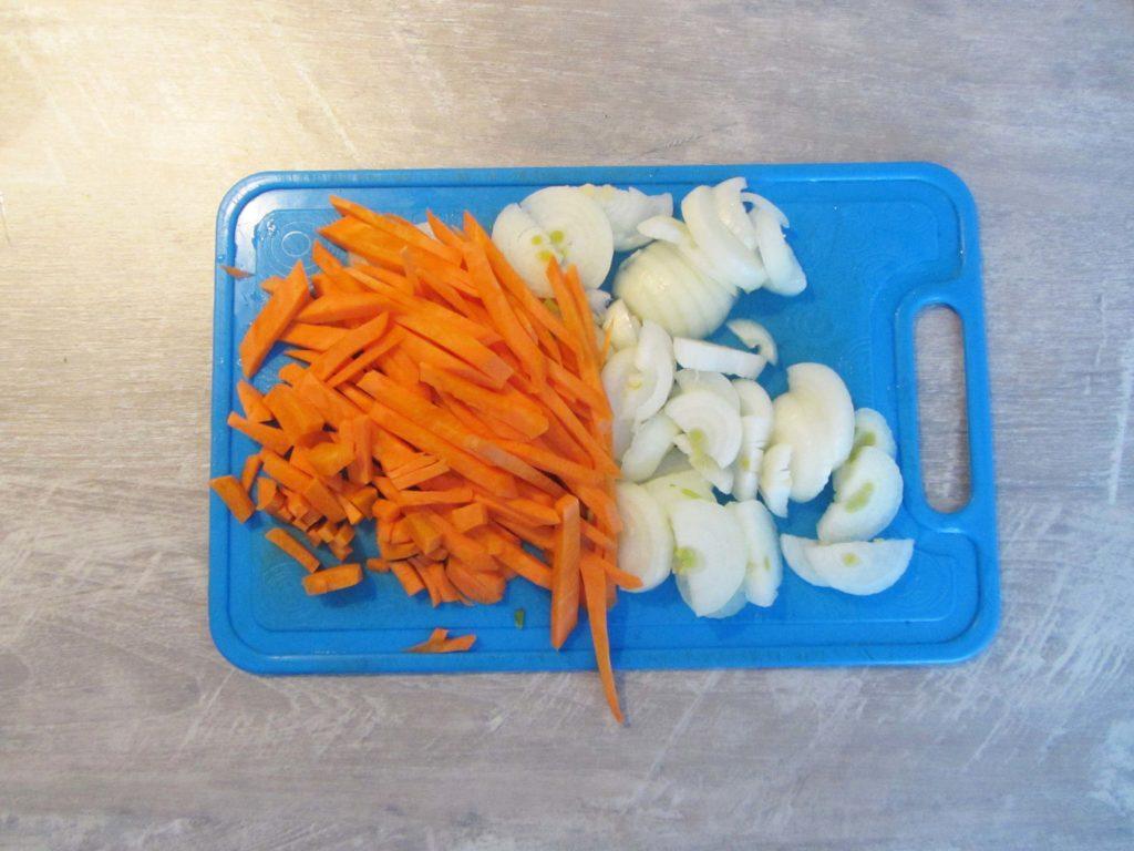Фото рецепта - Мясо кролика (зайца) тушеного в сметане - шаг 3