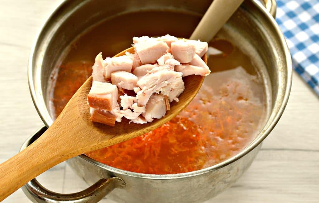 Фото рецепта - Гороховый суп с копченой курицей - шаг 5