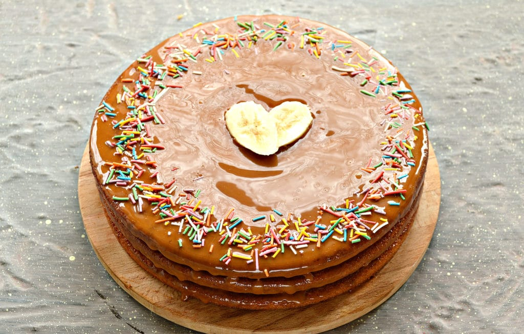 Фото рецепта - Фруктовый торт из готовых коржей - шаг 6