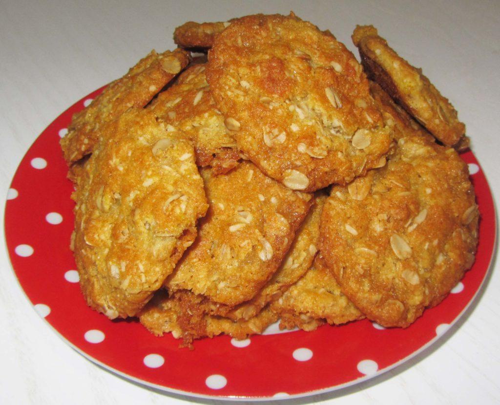 """Фото рецепта - Овсяное печенье с кокосовой стружкой """"Анзак"""" - шаг 5"""