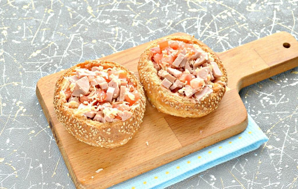 Фото рецепта - Пицца в булочках - шаг 7