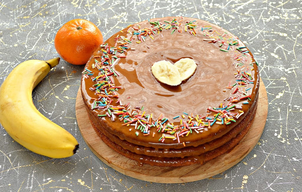 Фото рецепта - Фруктовый торт из готовых коржей - шаг 7