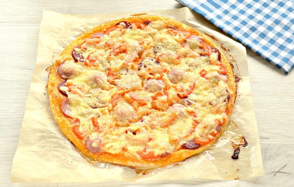 Фото рецепта - Пицца с двумя видами колбасы - шаг 7