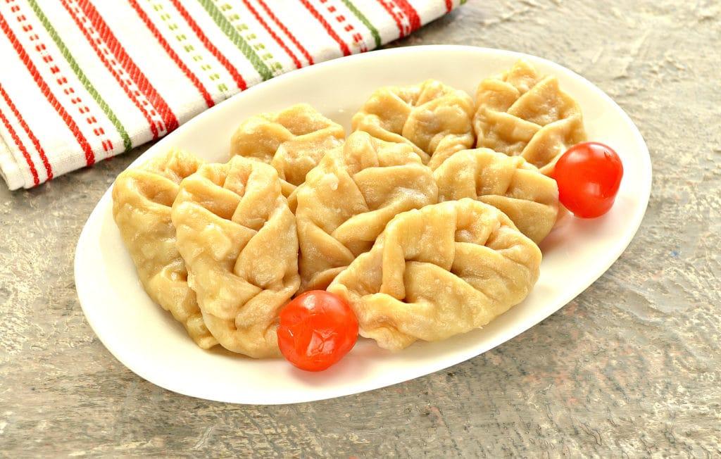 Фото рецепта - Манты «косичкой» с картофелем и фаршем - шаг 8