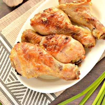Куриные голени в сметане с чесноком - рецепт с фото