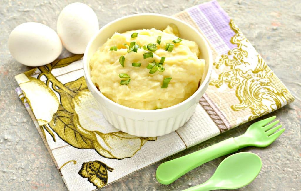Фото рецепта - Картофельное пюре с яйцом и молоком - шаг 9