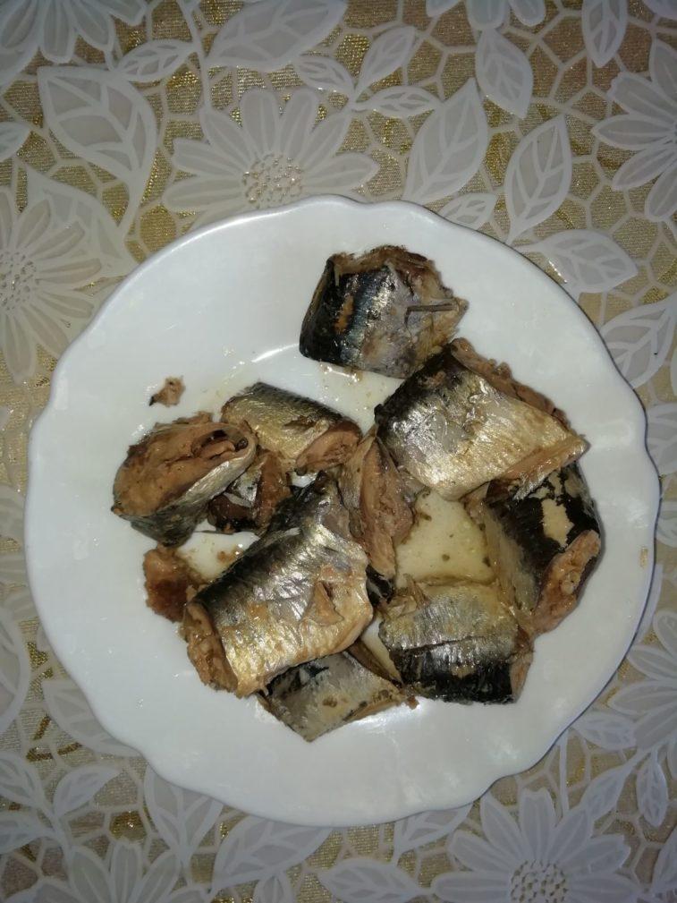 Фото рецепта - Котлеты из рыбных консервов (с рисом и картофельным пюре) - шаг 2