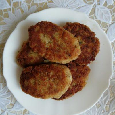 Котлеты из рыбных консервов (с рисом и картофельным пюре) - рецепт с фото