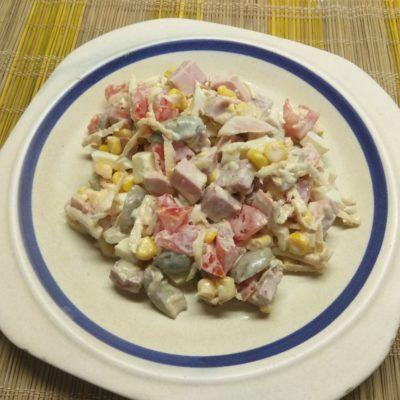 Салат из кукурузы, сельдерея и яиц - рецепт с фото