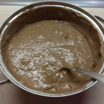 Фото рецепта - Брауни на яблочном варенье с орехами - шаг 5
