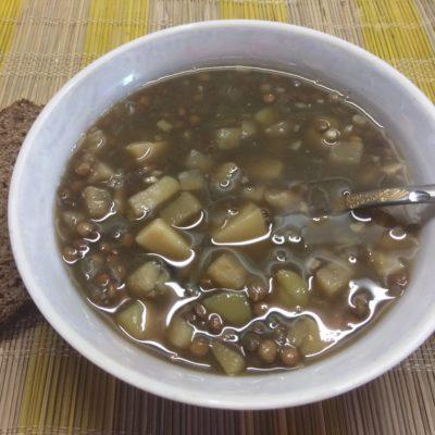 Фото рецепта - Суп из чечевицы и сельдерея на грибном бульоне - шаг 5