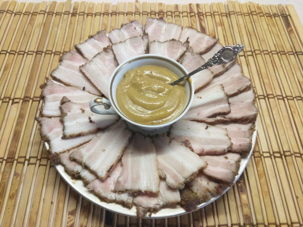 Фото рецепта - Грудинка, запеченная в духовке в горчице и специях - шаг 5