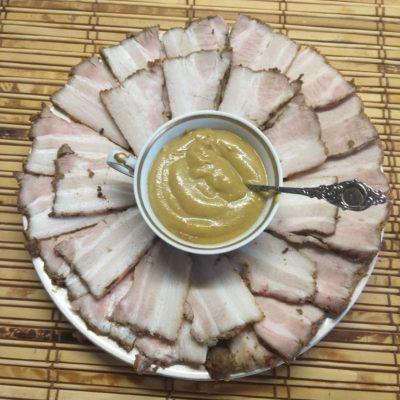 Грудинка, запеченная в духовке в горчице и специях - рецепт с фото