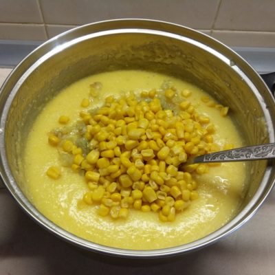 Фото рецепта - Запеканка из кукурузной крупы с консервированной кукурузой - шаг 4