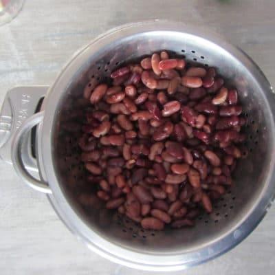 Фото рецепта - Постные котлеты из красной фасоли орехами и чесноком - шаг 1