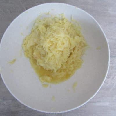 Фото рецепта - Картофельные драники (без яиц и муки) - шаг 1
