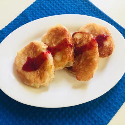Постные дрожжевые оладьи с яблоками - рецепт с фото