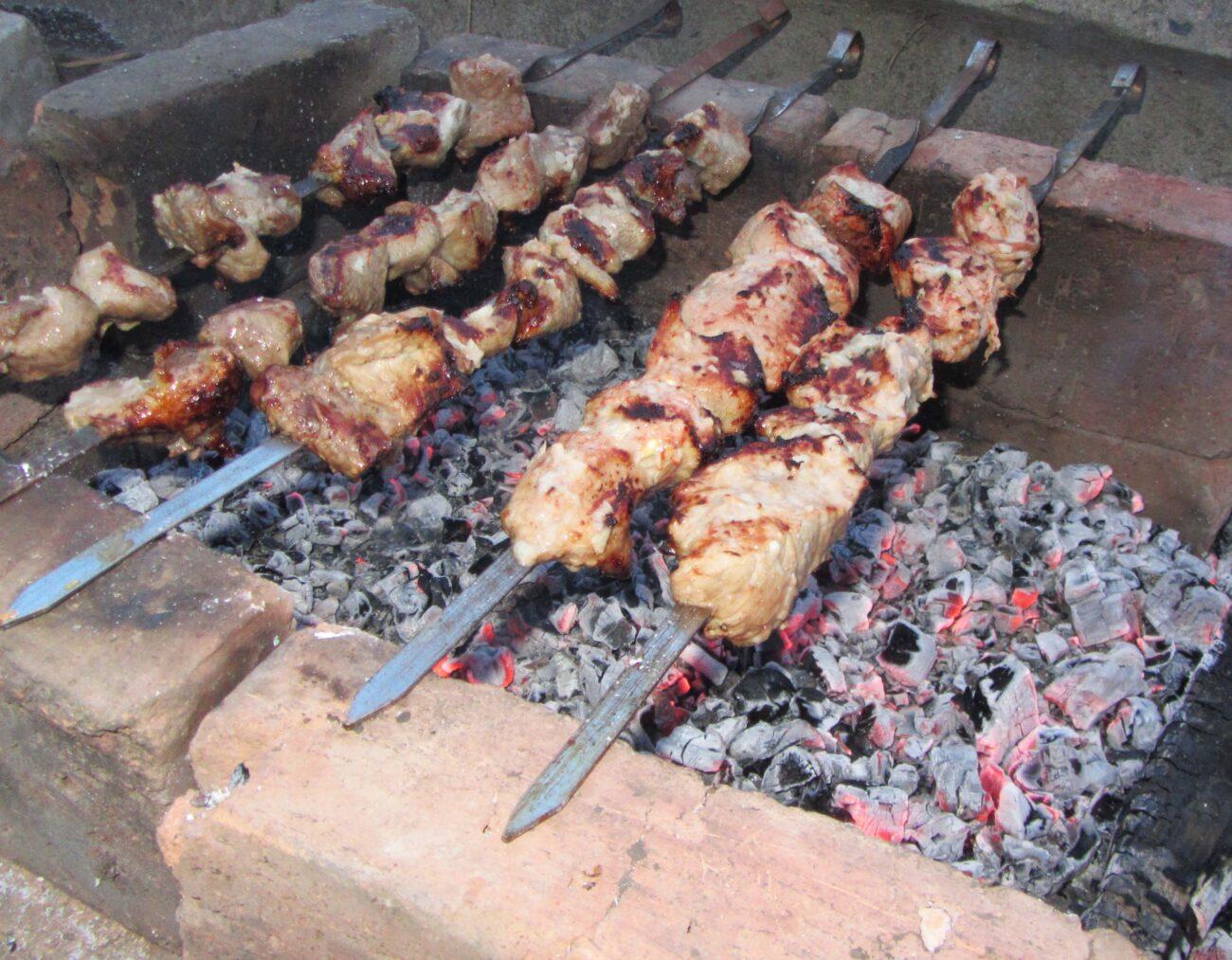 Свиной шашлык в томатном маринаде