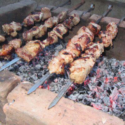 Свиной шашлык в томатном маринаде - рецепт с фото