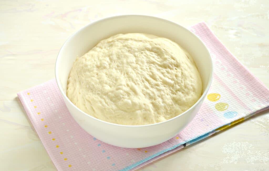 Фото рецепта - Кулебяка из капусты с грибами - шаг 1