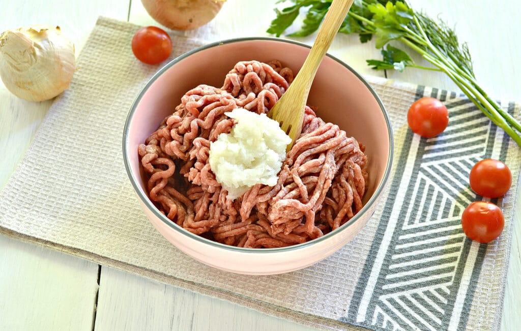 Фото рецепта - Мясные фрикадельки для супа - шаг 2