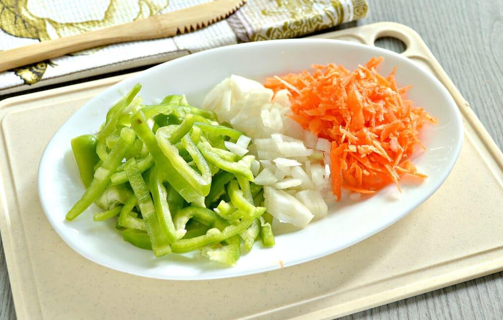 Фото рецепта - Овощное рагу с куриной грудкой и картофелем - шаг 2