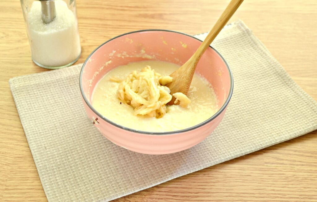Фото рецепта - Банановые сырники - шаг 2
