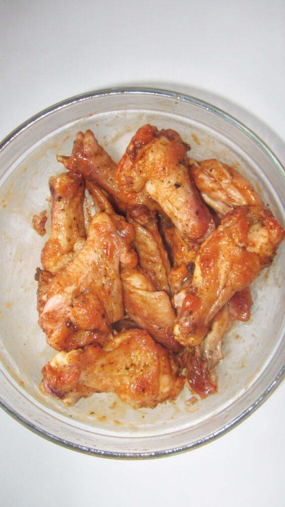 Фото рецепта - Крылышки в медово-томатном соусе (в духовке) - шаг 5