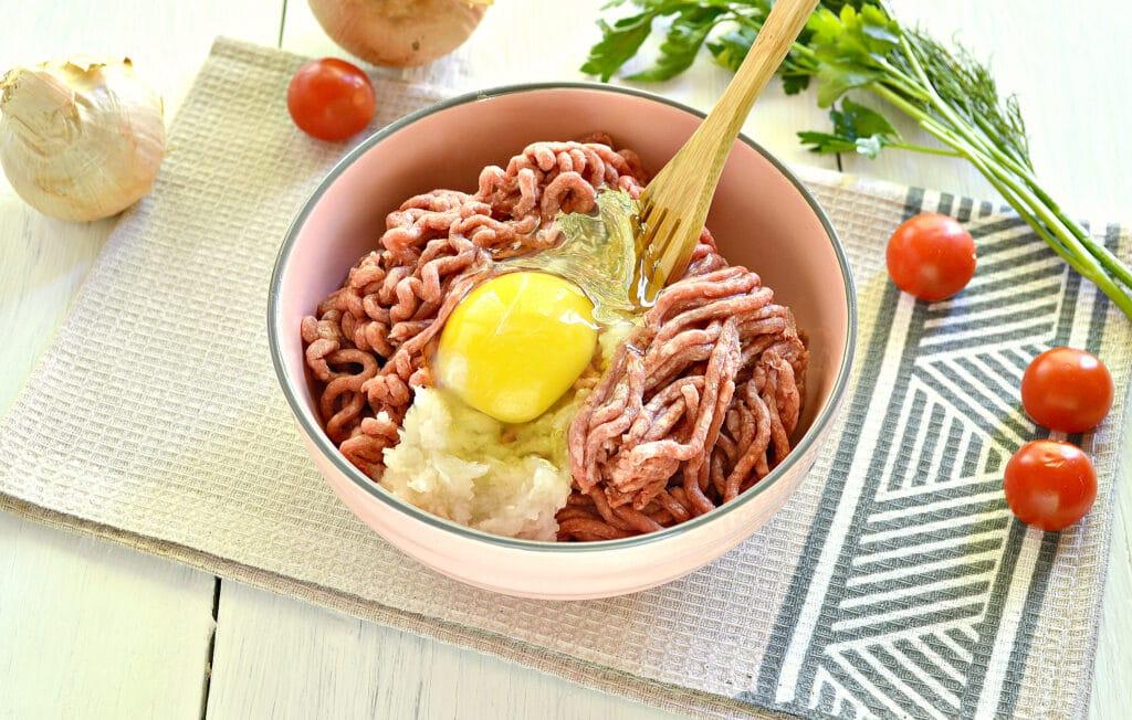 Фото рецепта - Мясные фрикадельки для супа - шаг 3