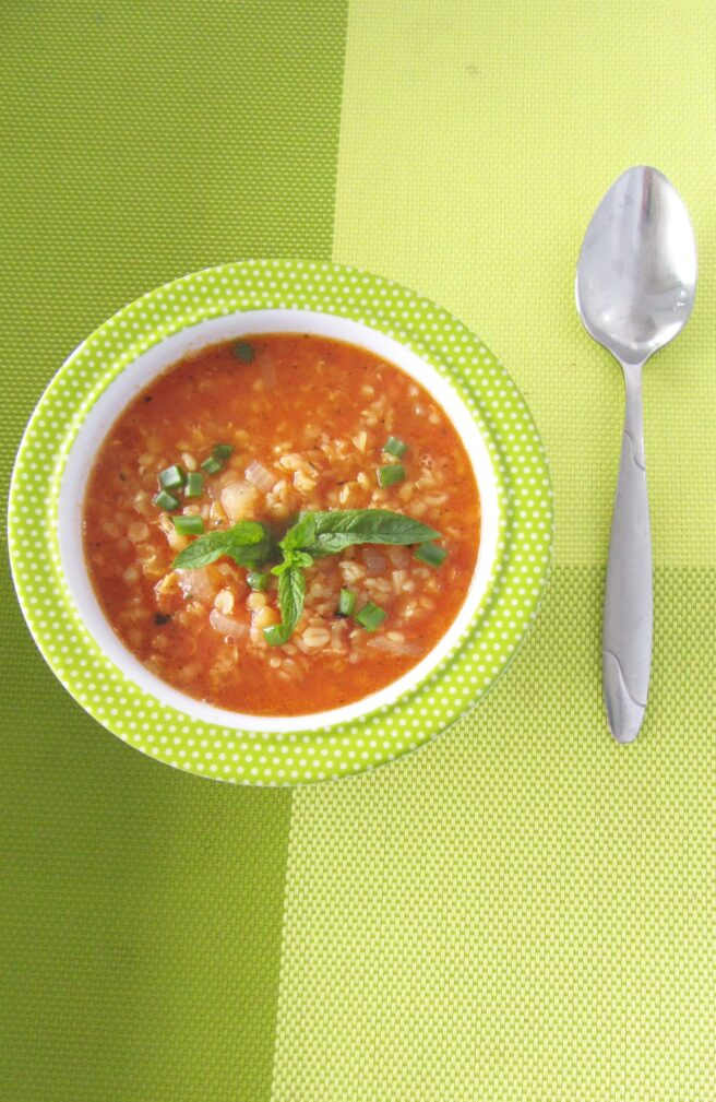 Фото рецепта - Турецкий суп с красной  чечевицы и булгуром - шаг 4