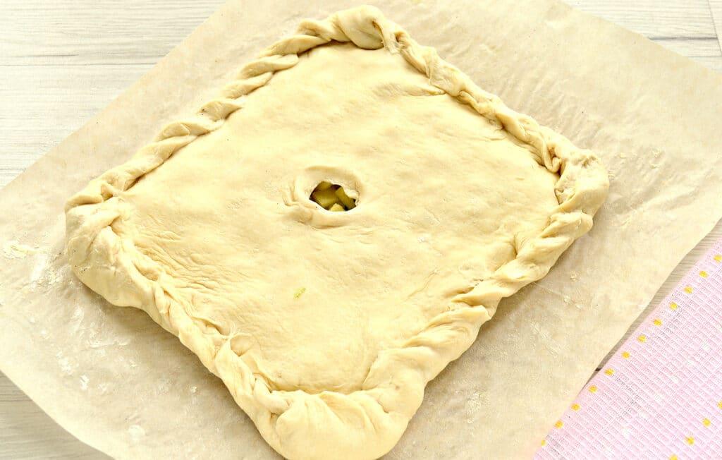 Фото рецепта - Слоеный бездрожжевой пирог с картошкой и зеленым луком - шаг 5