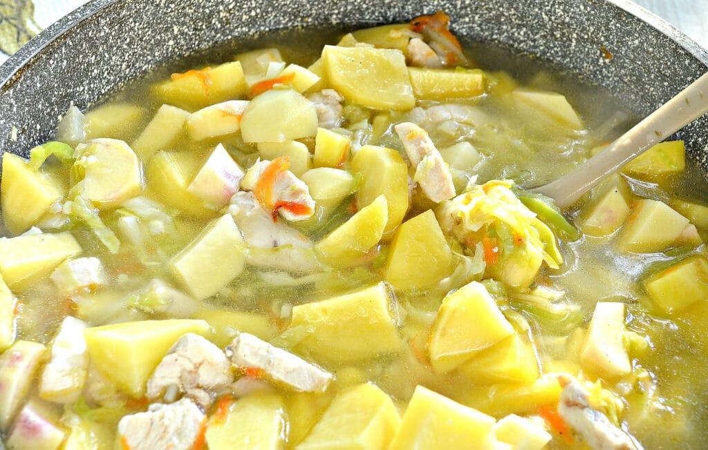 Фото рецепта - Овощное рагу с куриной грудкой и картофелем - шаг 5