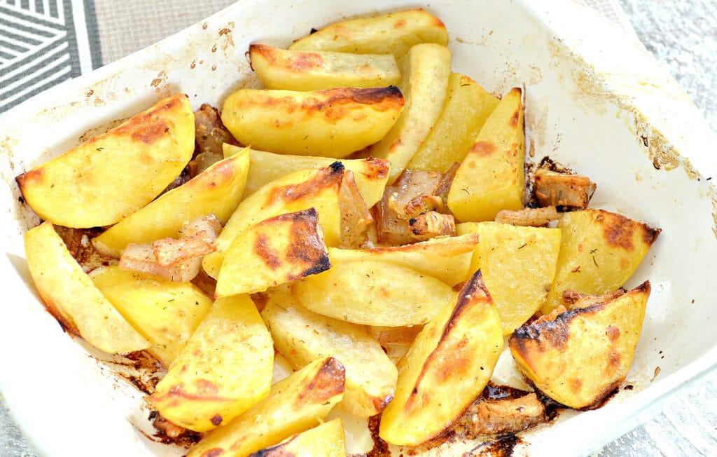 Фото рецепта - Запеченный картофель с салом - шаг 6