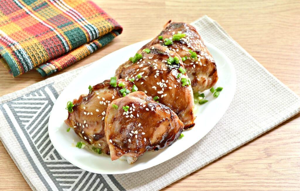 Фото рецепта - Куриные бёдра с соусом терияки в духовке - шаг 6